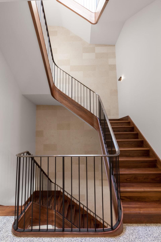 2nd floor stairway